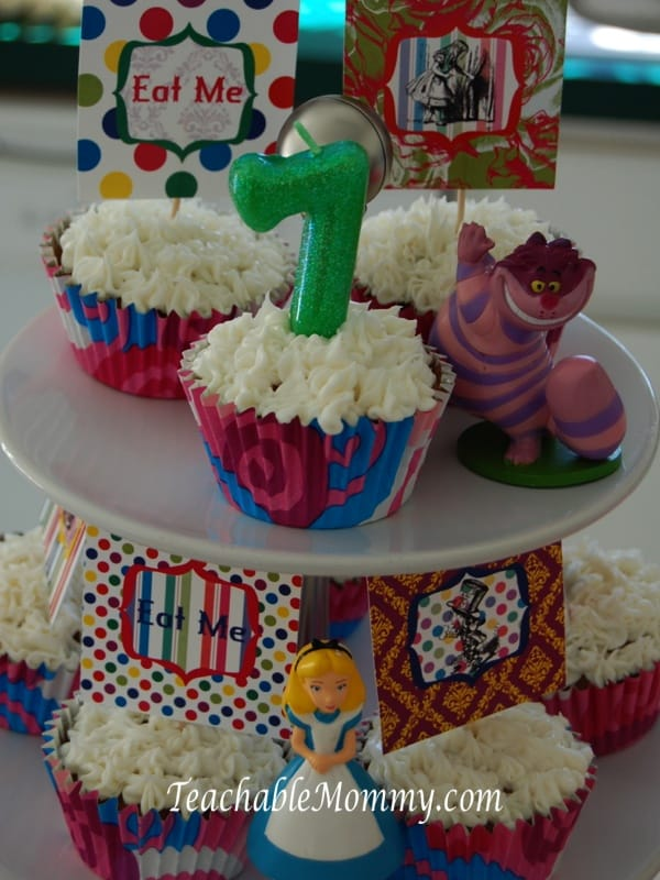 Alice in Wonderland Birthday Party, Mad Hatter Tea Party Birthday cupcakes