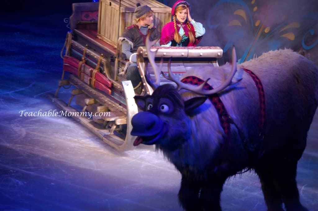 Disney On Ice presents FROZEN! , Anna Kristoff and Sven