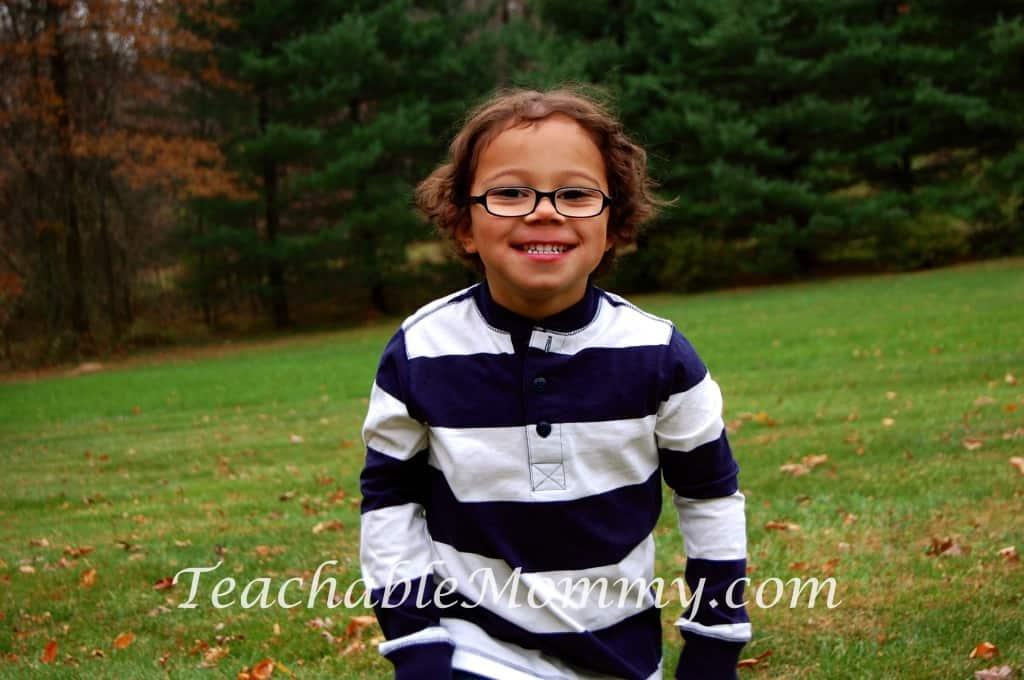 OshKosh B'gosh coupon, #GiveHappy with OshKosh B'gosh , Kid fashion, Kid photography