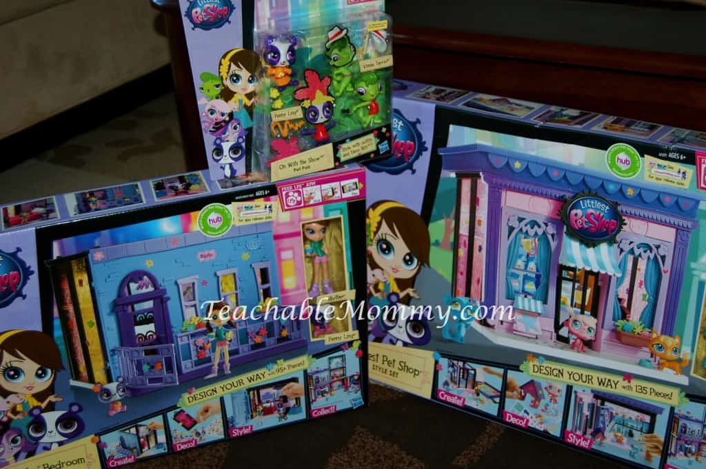 New Littlest Pet Shop toys! Perfect gifts for the little girls in your life! #LittlestPetShop #MC #sponsored