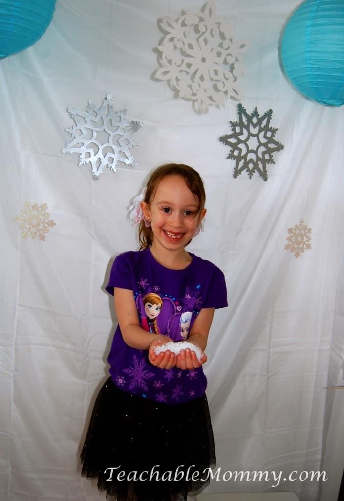 Frozen Birthday Party ideas, Frozen Birthday Crafts, Frozen Games, Frozen Free Printables, Frozen Party Decorations, Frozen Party, Frozen Party Photobooth