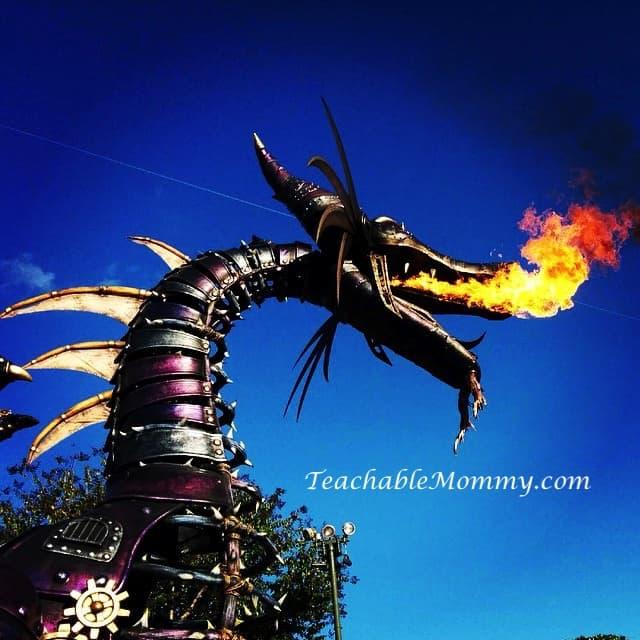 Festival of Fantasy, Maleficent Dragon, Signs you are a big Disney Kid, #DisneySide #DisneySMMoms