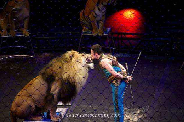 Ringling Bros. and Barnum & Bailey presents LEGENDS! ,  Alexander Lacey Big Cats