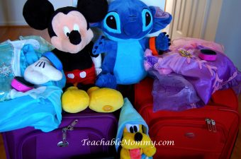 How to Pack a Suitcase for Disney and Other Vacations #DisneySMMC