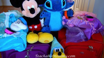 How to Pack a Suitcase for Disney and Other Vacations | #DisneySMMC