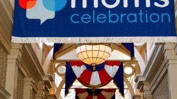 Disney Social Media Moms Celebration- A Whole New World | #DisneySMMC