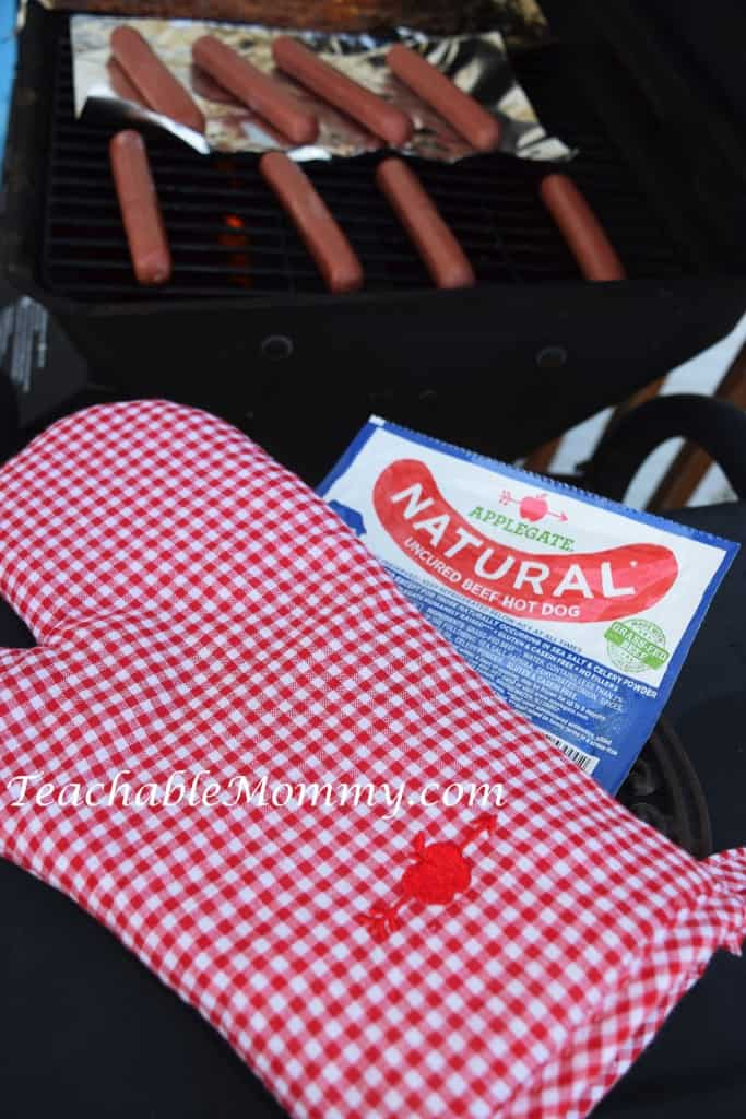 Applegate Farm Giveaway. #GirlsWhoGrill, #WhatsInYourHotdog