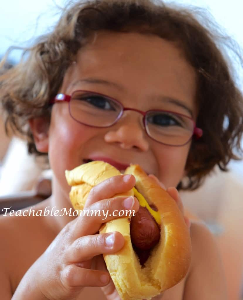 Applegate Farm Giveaway. #GirlsWhoGrill, #WhatsInYourHotdog