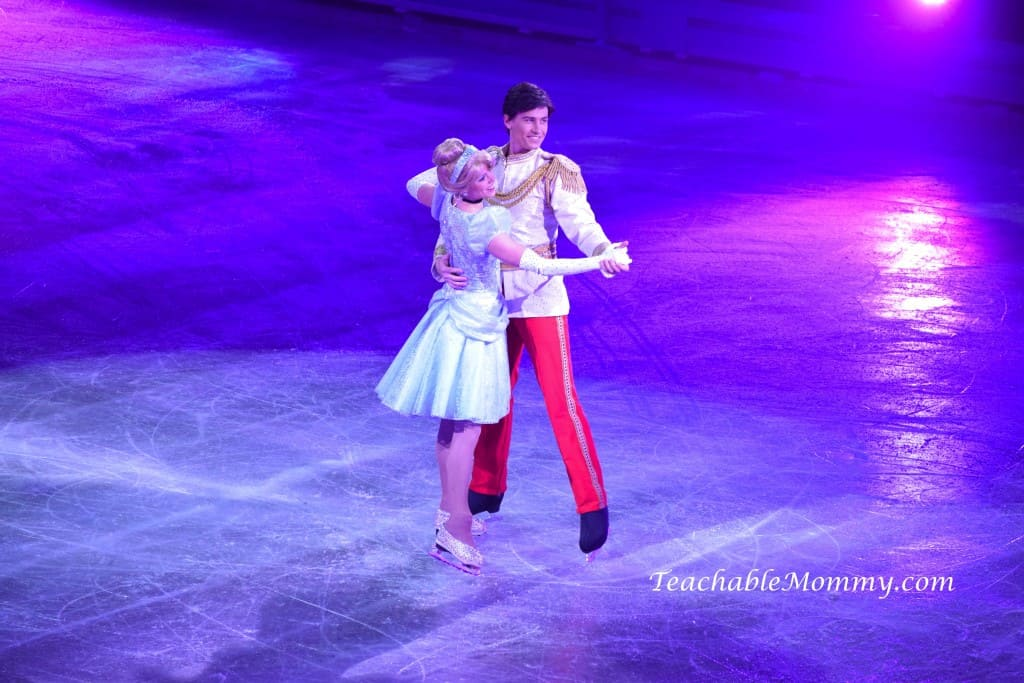 Disney On Ice 100 Years of Magic, Disney On Ice, spon