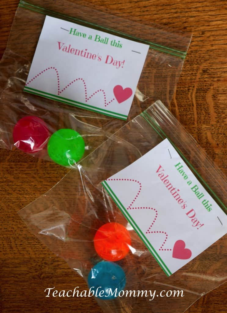 Valentine's Day Craft, Valentine's Day Party ideas, Valentine's Day party, Valentine's Day, free Valentine's printable, Valentine's ball printable, Valentines Party, Valentine Food, Heart shaped food, sponsored