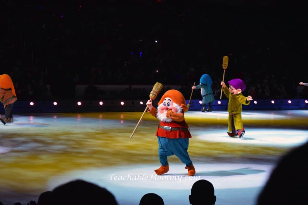 Disney On Ice, Disney on Ice Treasure Trove, Disney On Ice Mickey, Disney Shows, Disney Live shows, ice skating, sponsored