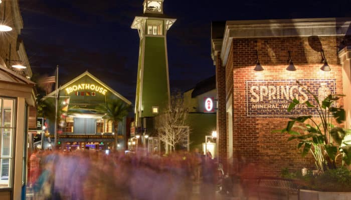 5 Reasons to Visit Disney Springs!