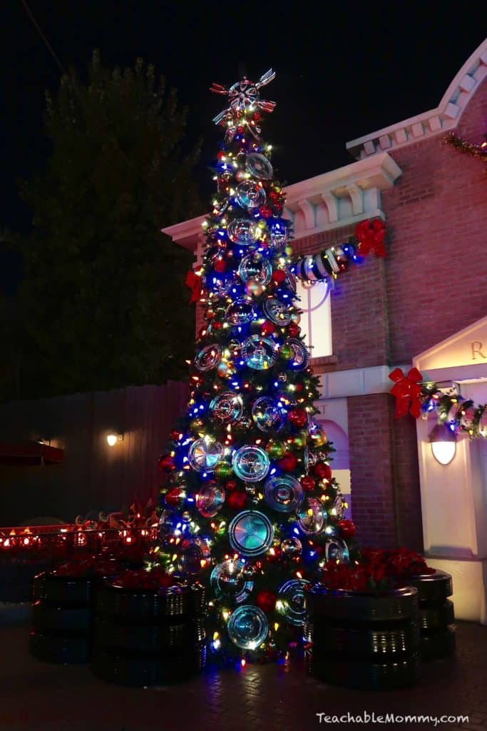 New Star Tours and Holiday Fun at Disneyland Resort
