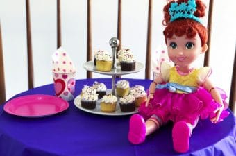 Fantastique Tea Party With Fancy Nancy Toys!