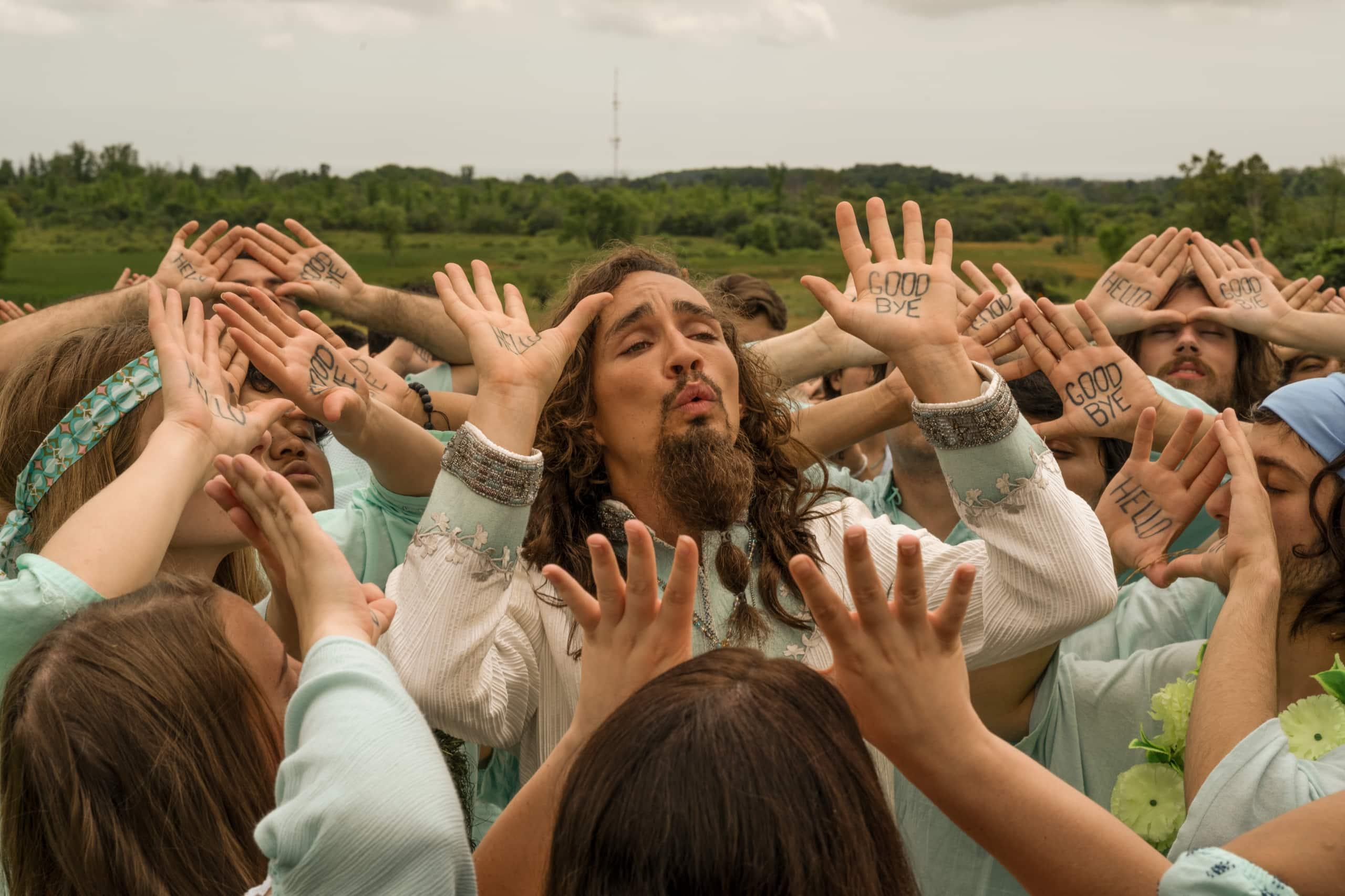 Umbrella Academy Season 2 Ending Explained Klaus