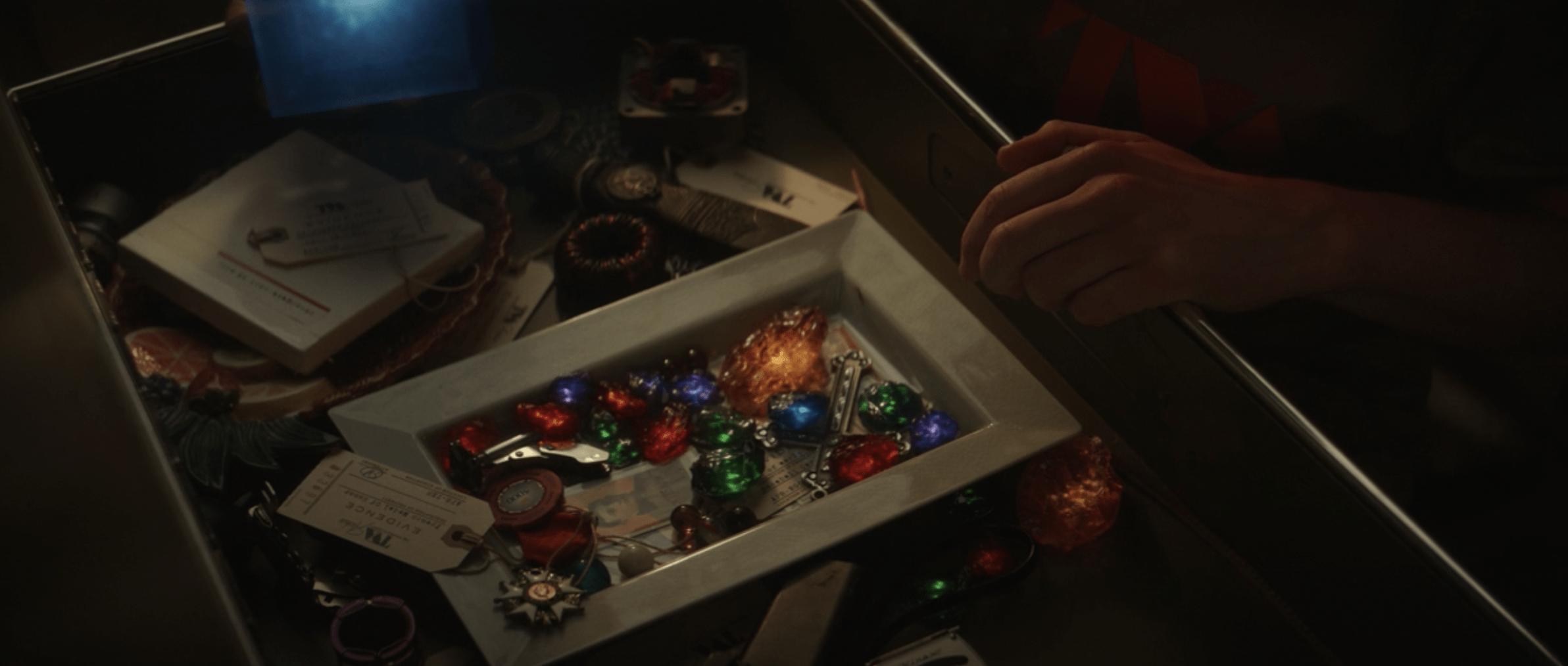 Loki Episode 1 inifnity stones box